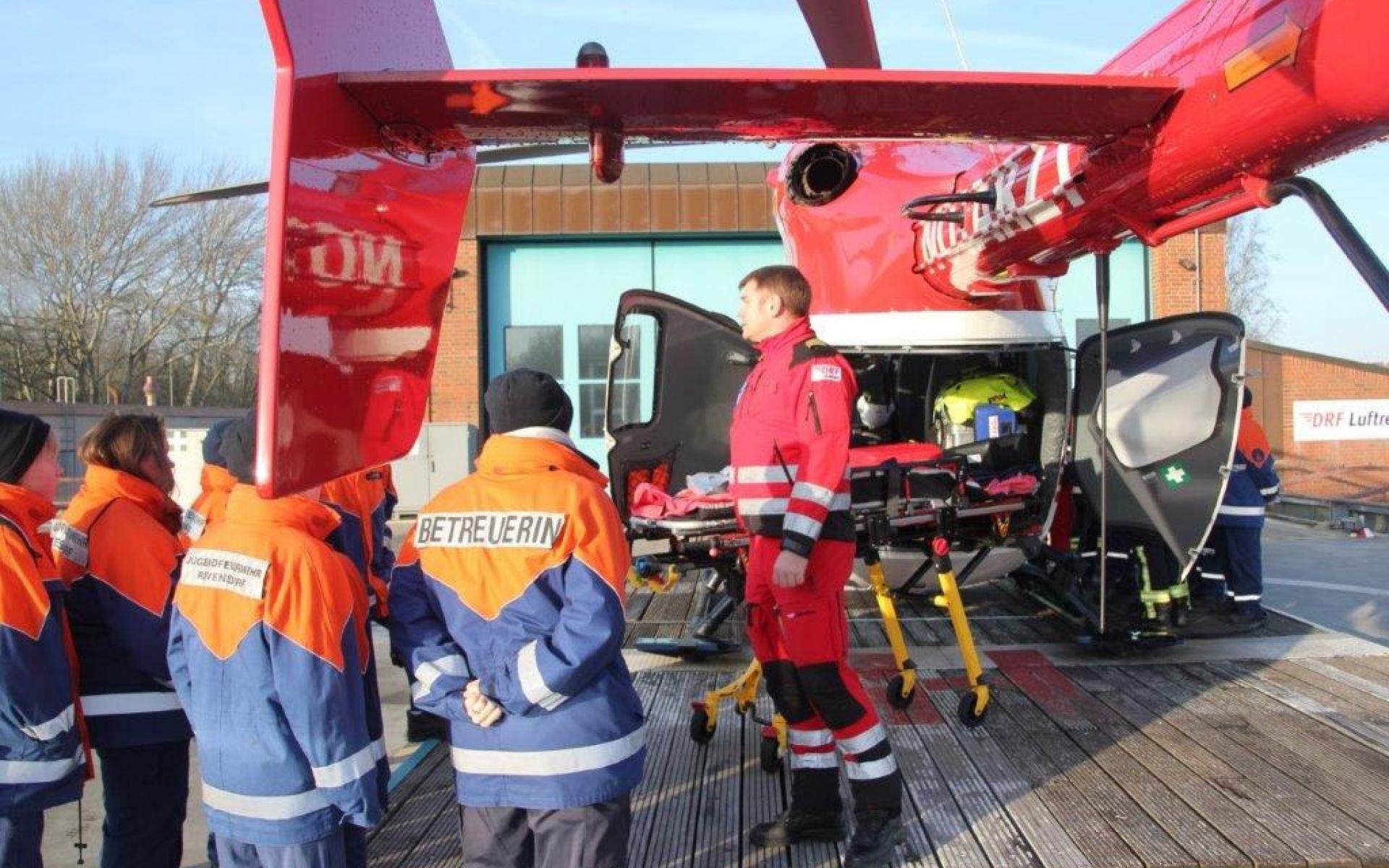 300 Euro spendeten die jungen Feuerwehrleute für Christoph 42.