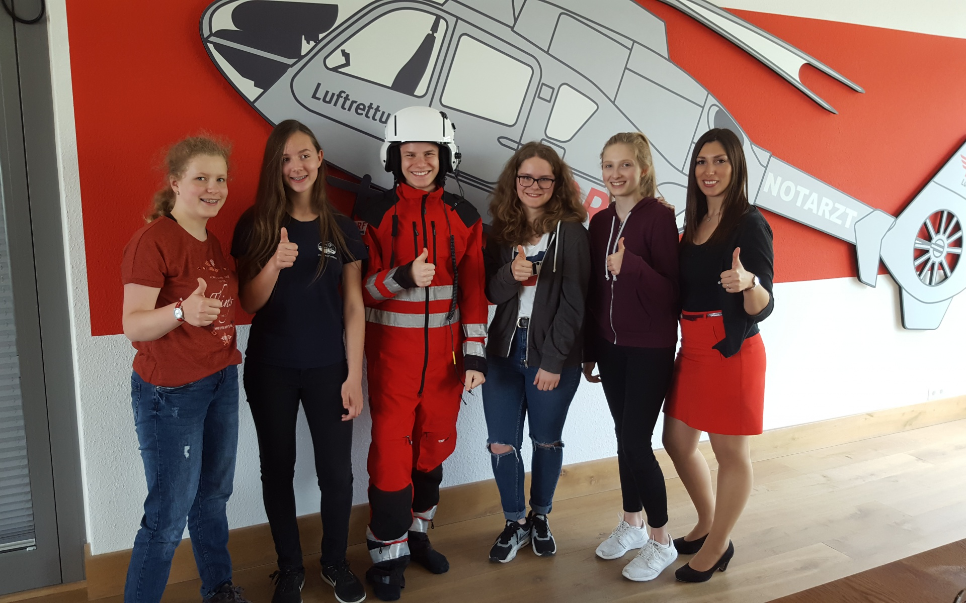 """Einen Tag lang haben vier Mädchen im Rahmen des """"Girls'Day"""" spannende Einblicke in die IT der DRF Luftrettung erhalten."""
