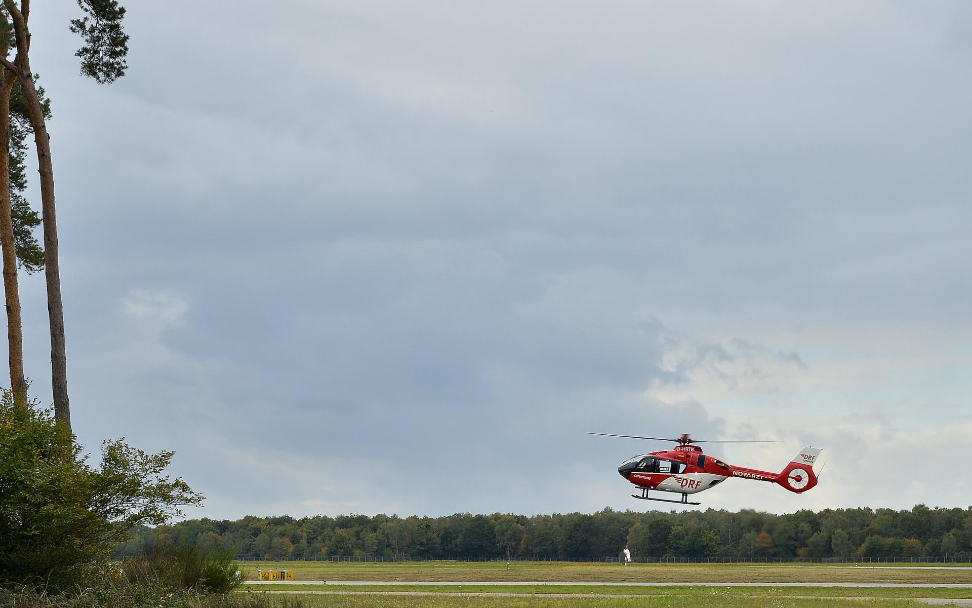 """Mit den modernen Hubschraubern werden im praktischen Teil des """"Differences Trainings"""" auch Notverfahren wie die Landung mit nur einem Triebwerk geübt. Diese ist wie bei allen in der Flotte befindlichen Hubschraubern der DRF Luftrettung gefahrlos möglich."""