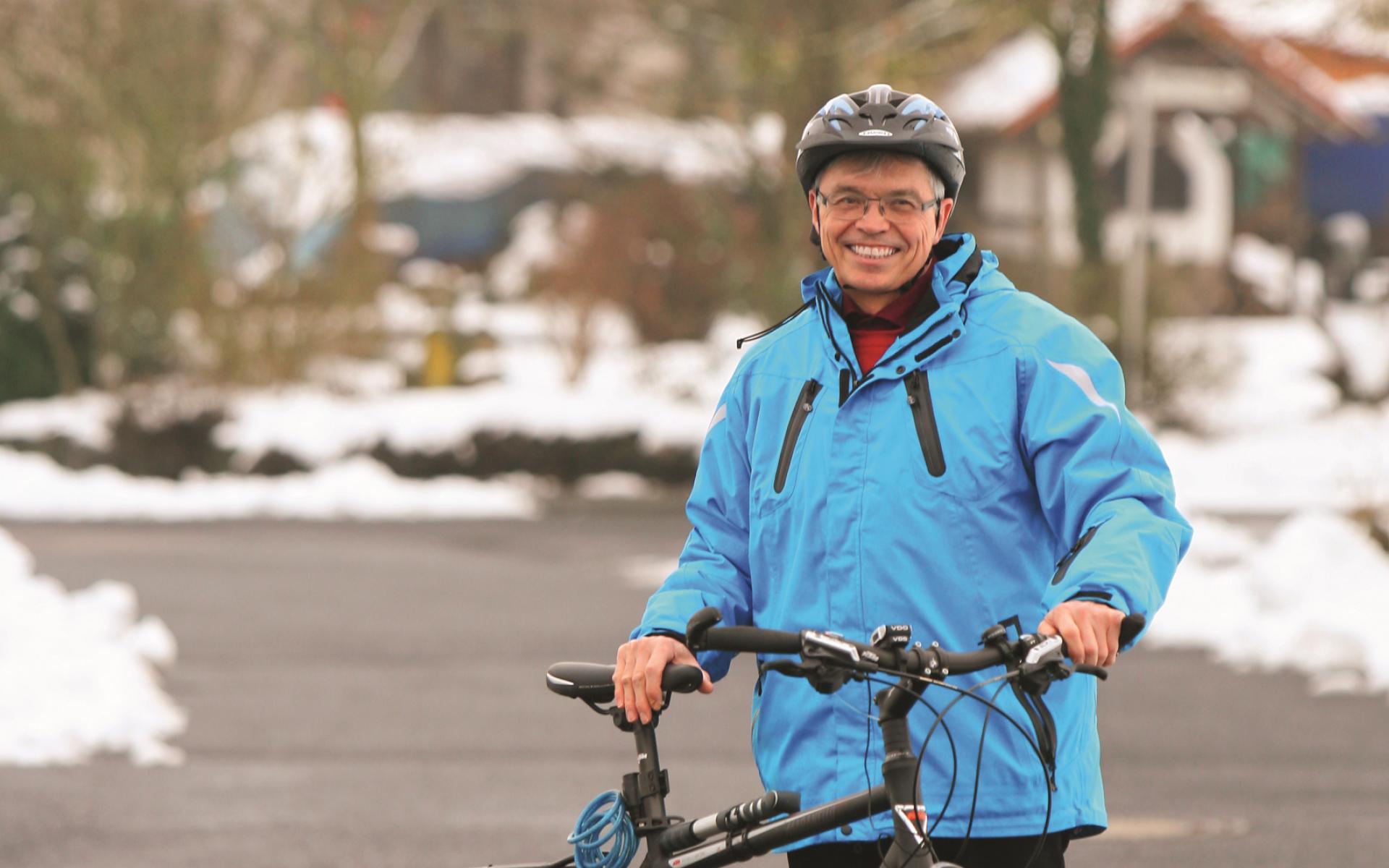 Auf einen Fahrradhelm wird Helmut Behr in Zukunft nicht mehr verzichten, auch nicht bei kurzen Strecken.