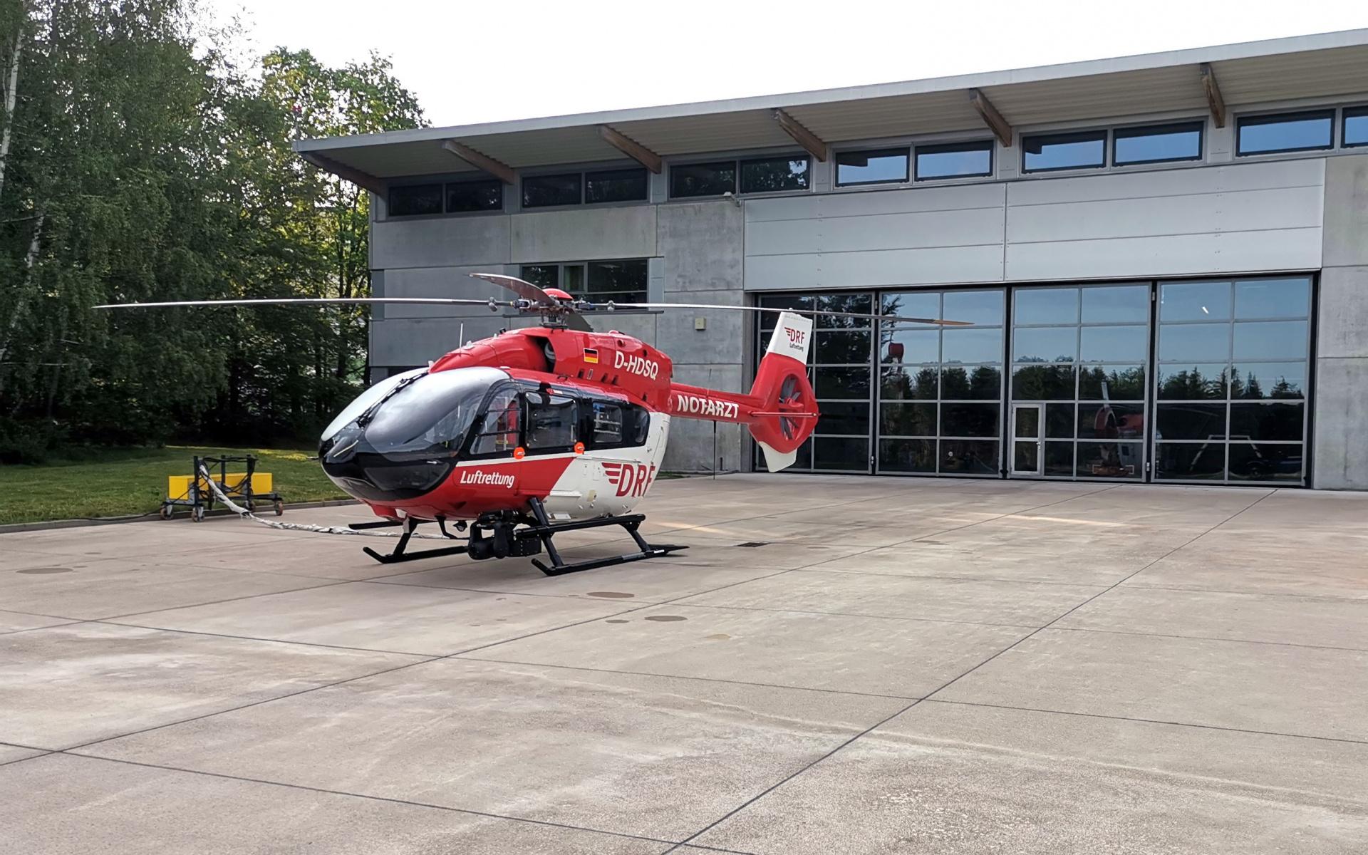 Seit gestern Abend fliegt die Besatzung in Bad Berka mit einer hochmodernen H 145 zu ihren Einsätzen.