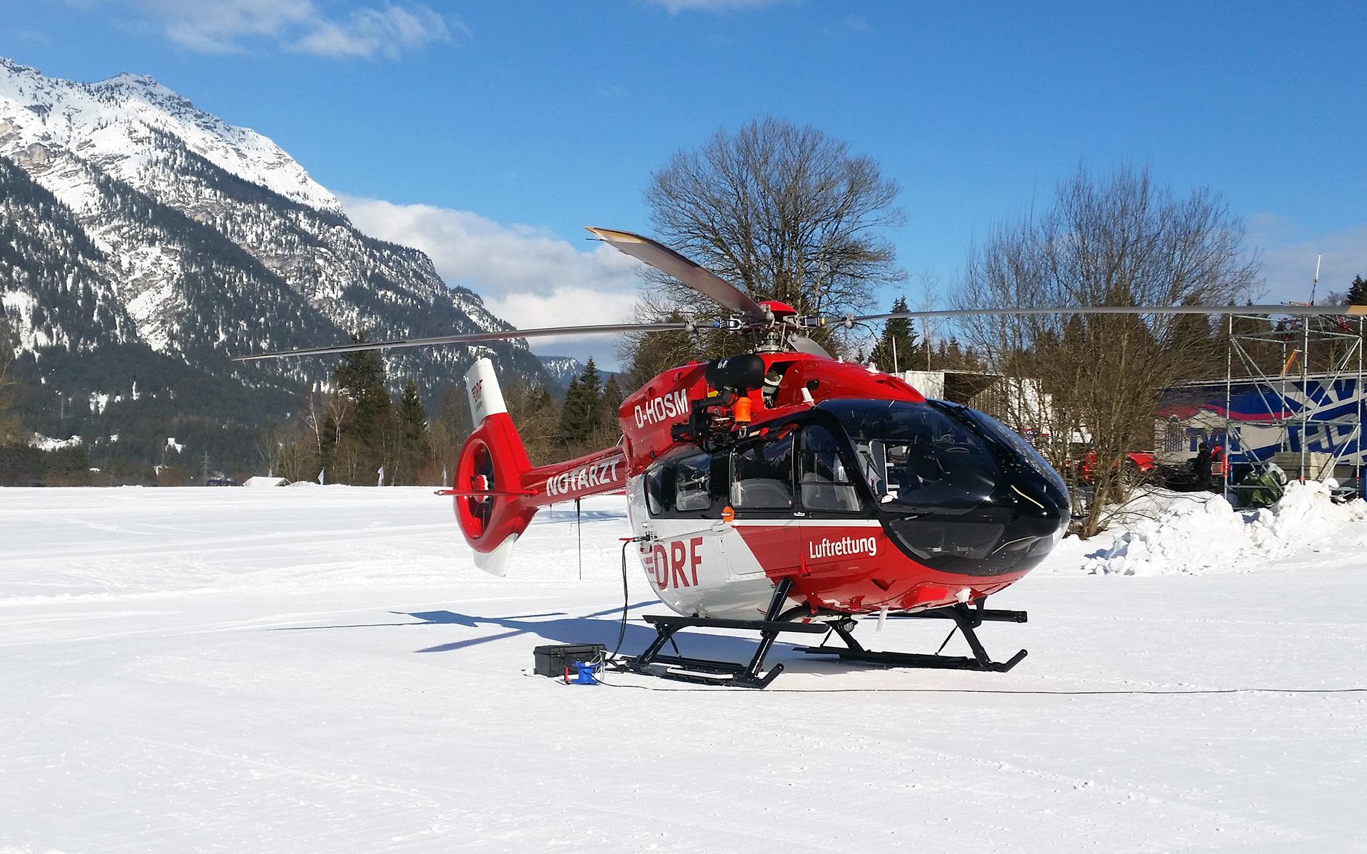 Die DRF Luftrettung ist als offizieller Partner beim FIS Ski-Weltcup in Garmisch-Partenkirchen dabei. Foto: DRF Luftrettung / Chr. Brunnlechner