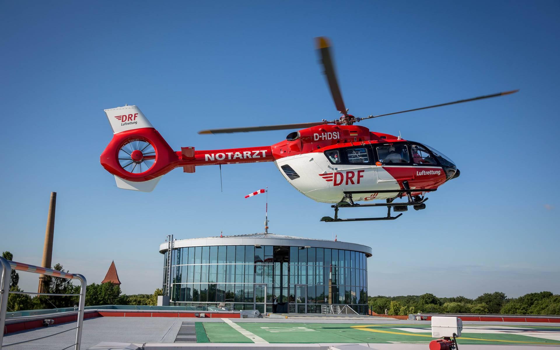 Der modernste Hubschraubertyp H 145 wurde heute an der Berliner Station der DRF Luftrettung in Betrieb genommen. Bildquelle: Michael Hübner / ukb