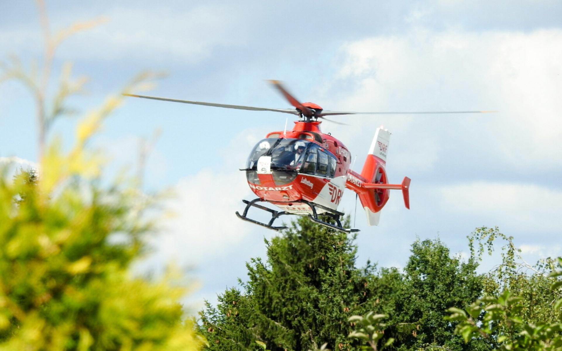Das Team der DRF Luftrettung in Bad Saarow kommt nach wenigen Flugminuten am Einsatzort an. Symbolbild (Quelle: Daniel Stibitz).