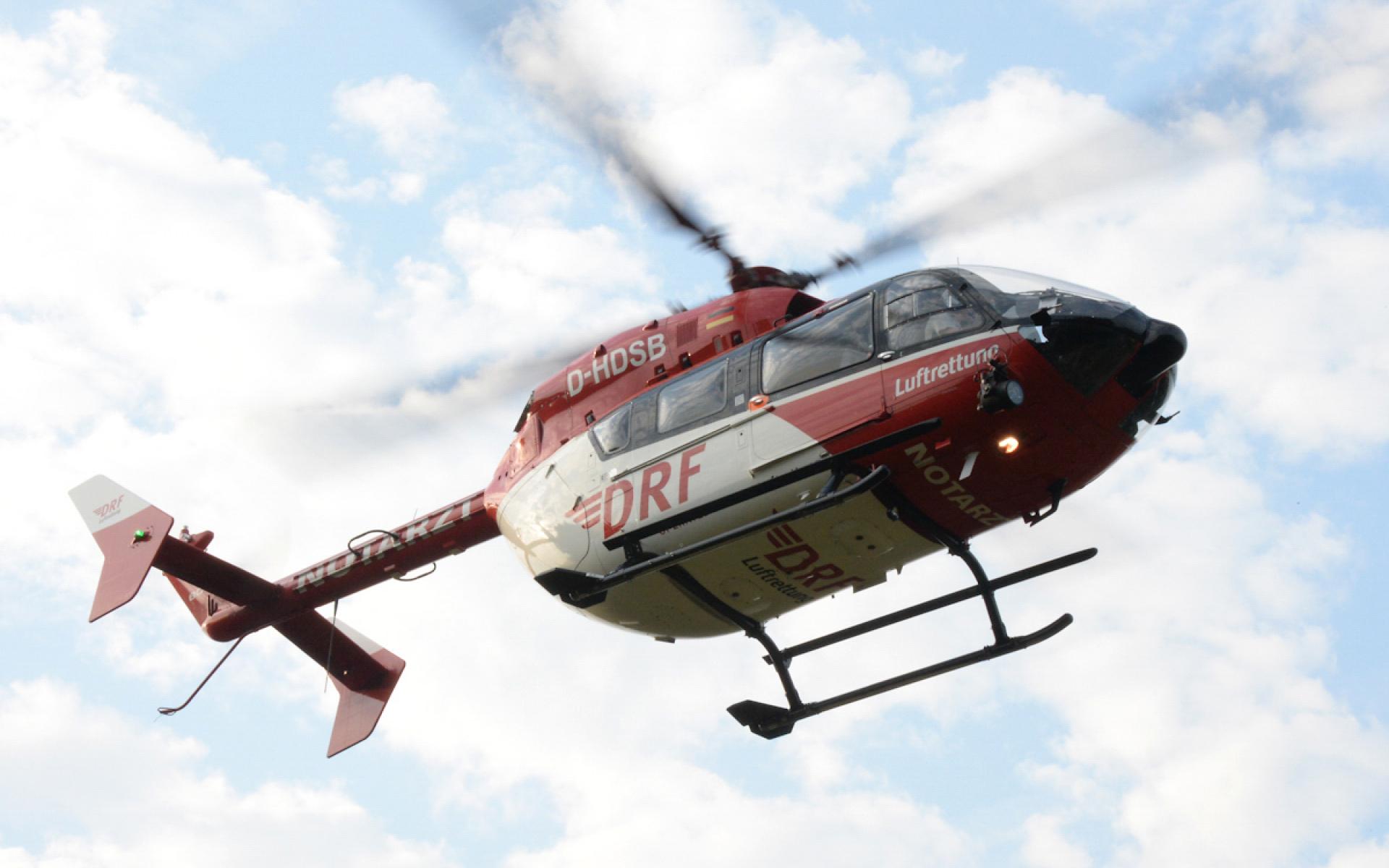 Ein Mann musste schnellstmöglich in eine Spezialklinik geflogen werden, weil er an einer lebensgefährlichen Hirnblutung litt. Christoph 51 der DRF Luftrettung wurde für den Transport alarmiert. Symbolbild.