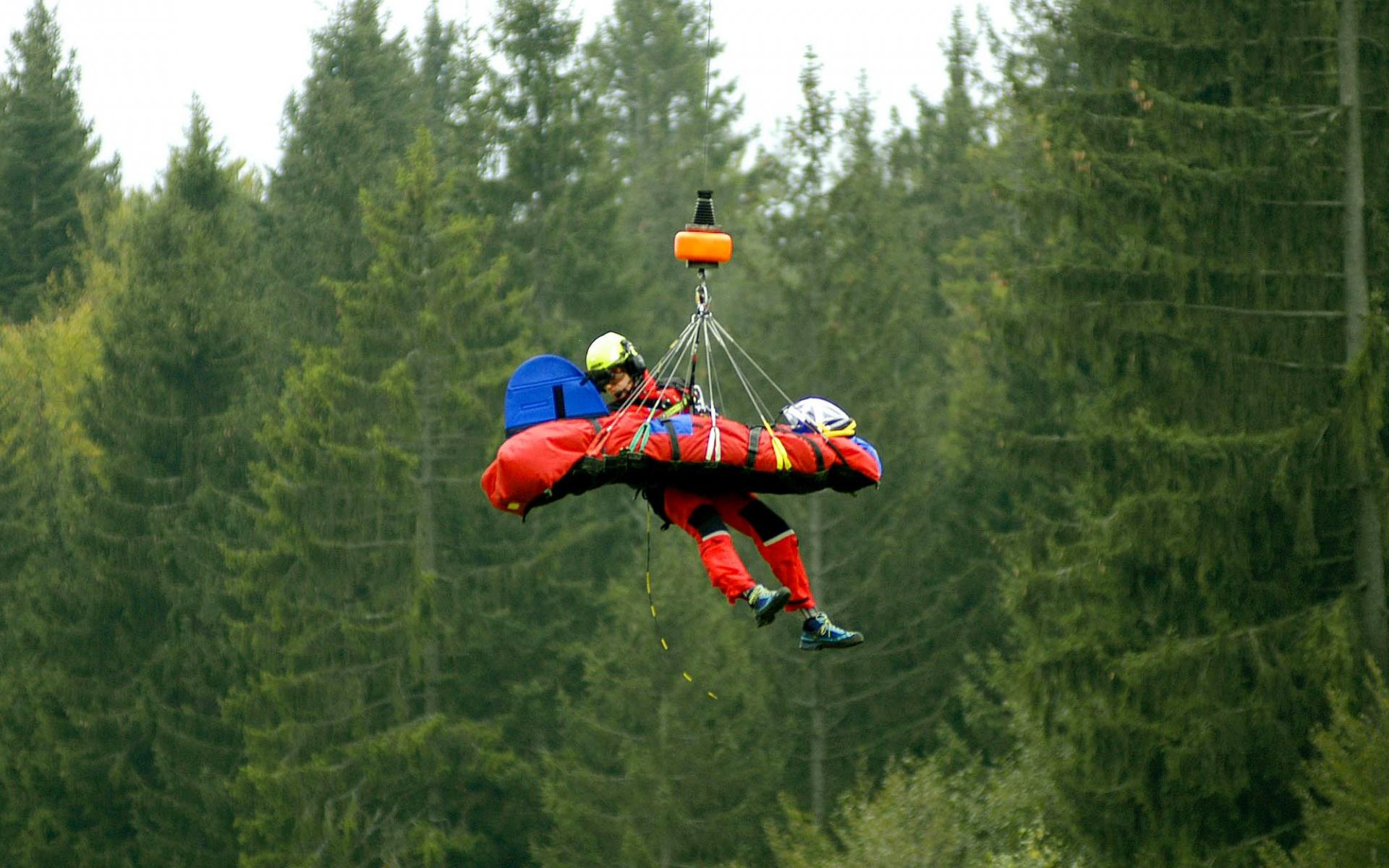 Erstmals kam dabei der neue Bergesack zum Einsatz, der den Einsatz einfacher und noch sicherer macht.