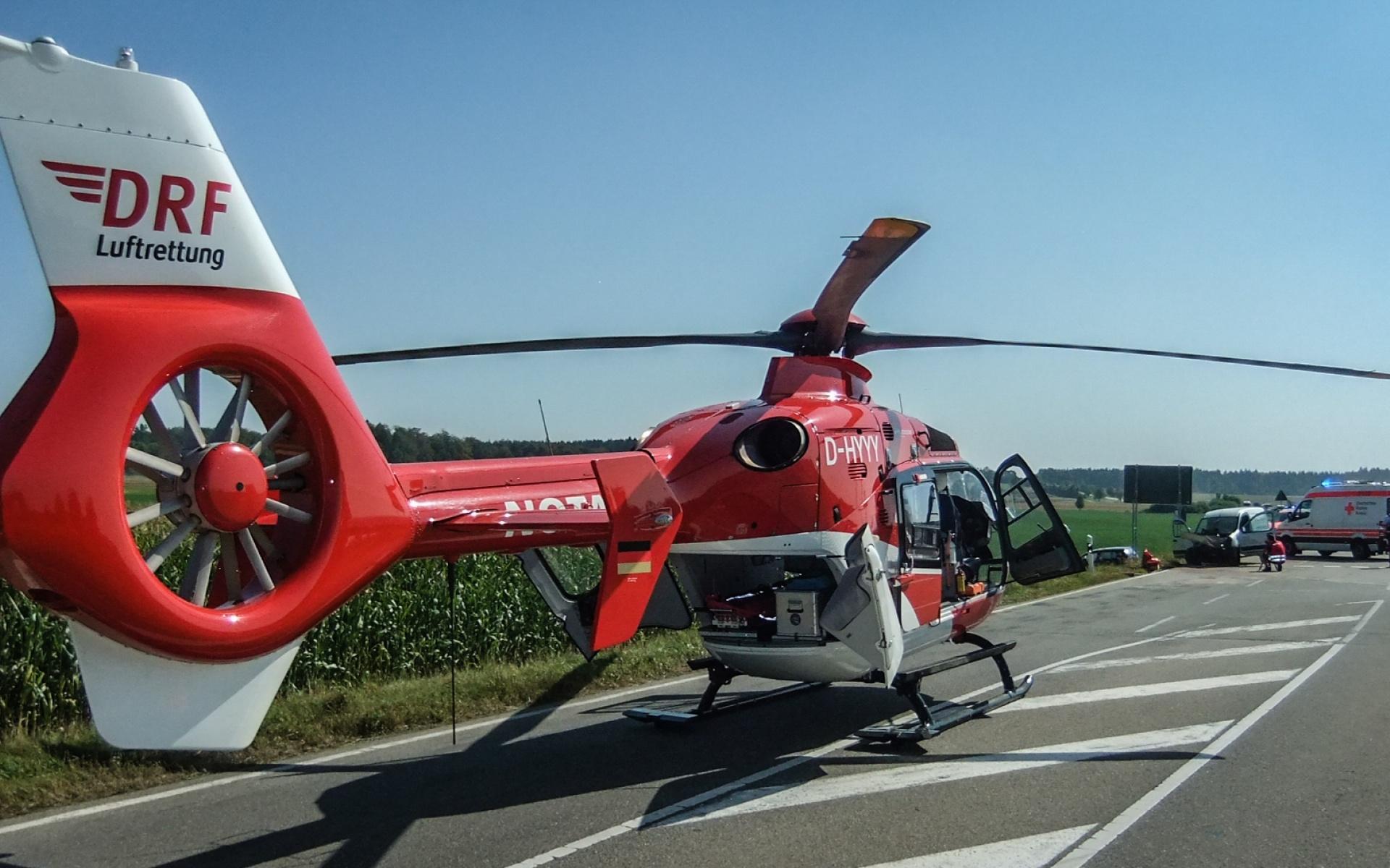 Bei den teils großen Entfernungen auf der Schwäbischen Alb kommt der Vorteil des Hubschraubers besonders zum Tragen.