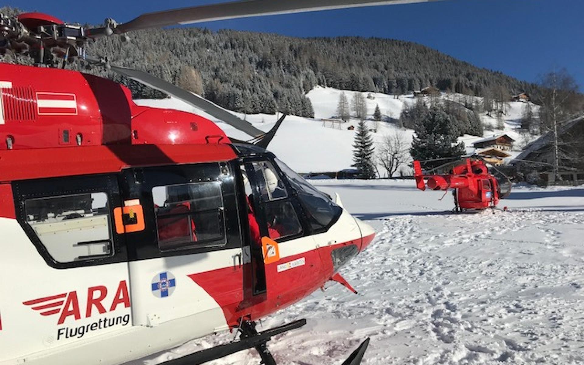 Während der Versorgung landete der Pilot von RK-1 den Hubschrauber auf einem Zwischenlandeplatz.