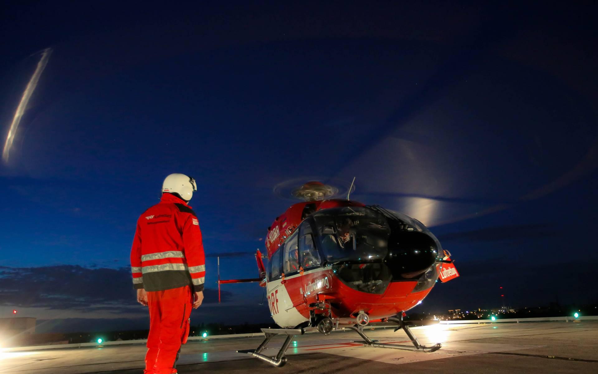 Ob bei Tag oder Nacht: Seit über 25 Jahren ist der Hubschrauber der DRF Luftrettung in Hannover rund um die Uhr einsatzbereit, um Menschen in Not zu helfen. (Foto: Maike Glöckner)