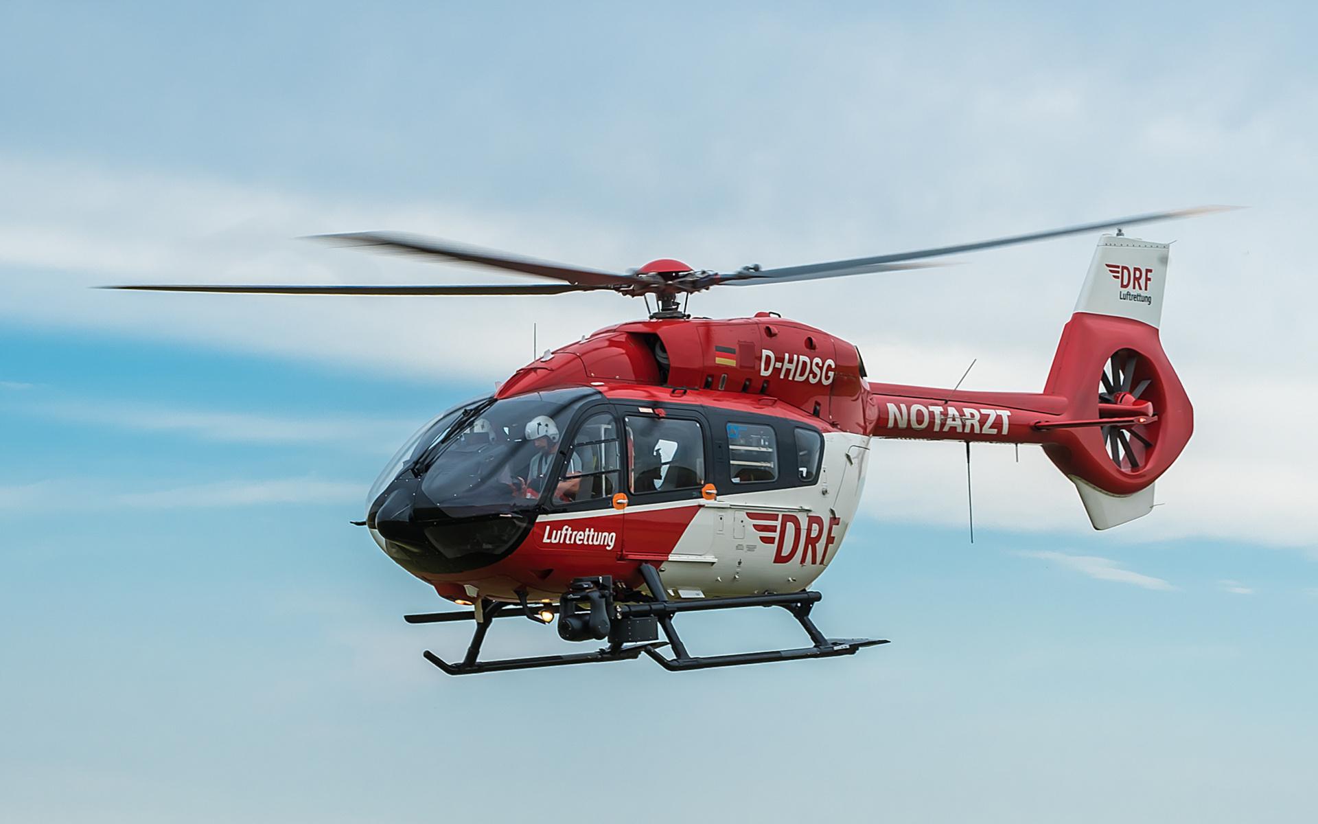 Hubschrauber des Typs H 145 der DRF Luftrettung im Einsatz.