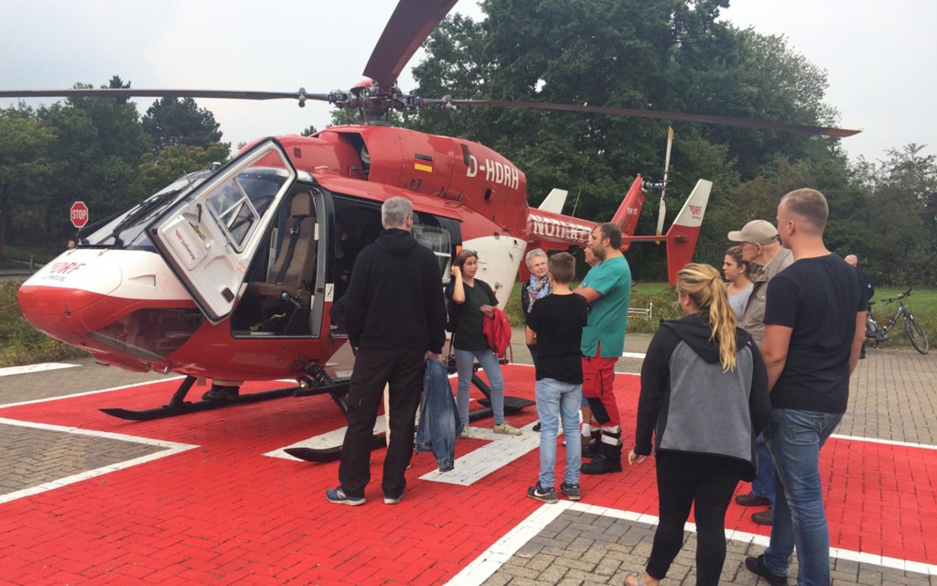 Die Besucher hatten viele Fragen zur Arbeit der gemeinnützig tätigen Luftretter.