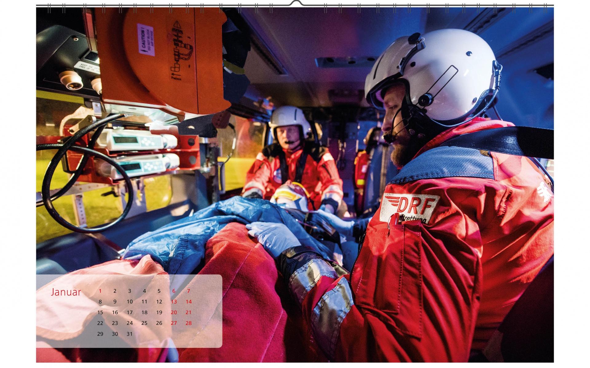 Tag und Nacht im Einsatz: An neun Standorten in Deutschland sind die Besatzungen der DRF Luftrettung rund um die Uhr startklar, um im Notfall schnelle medizinische Hilfe zu bringen.