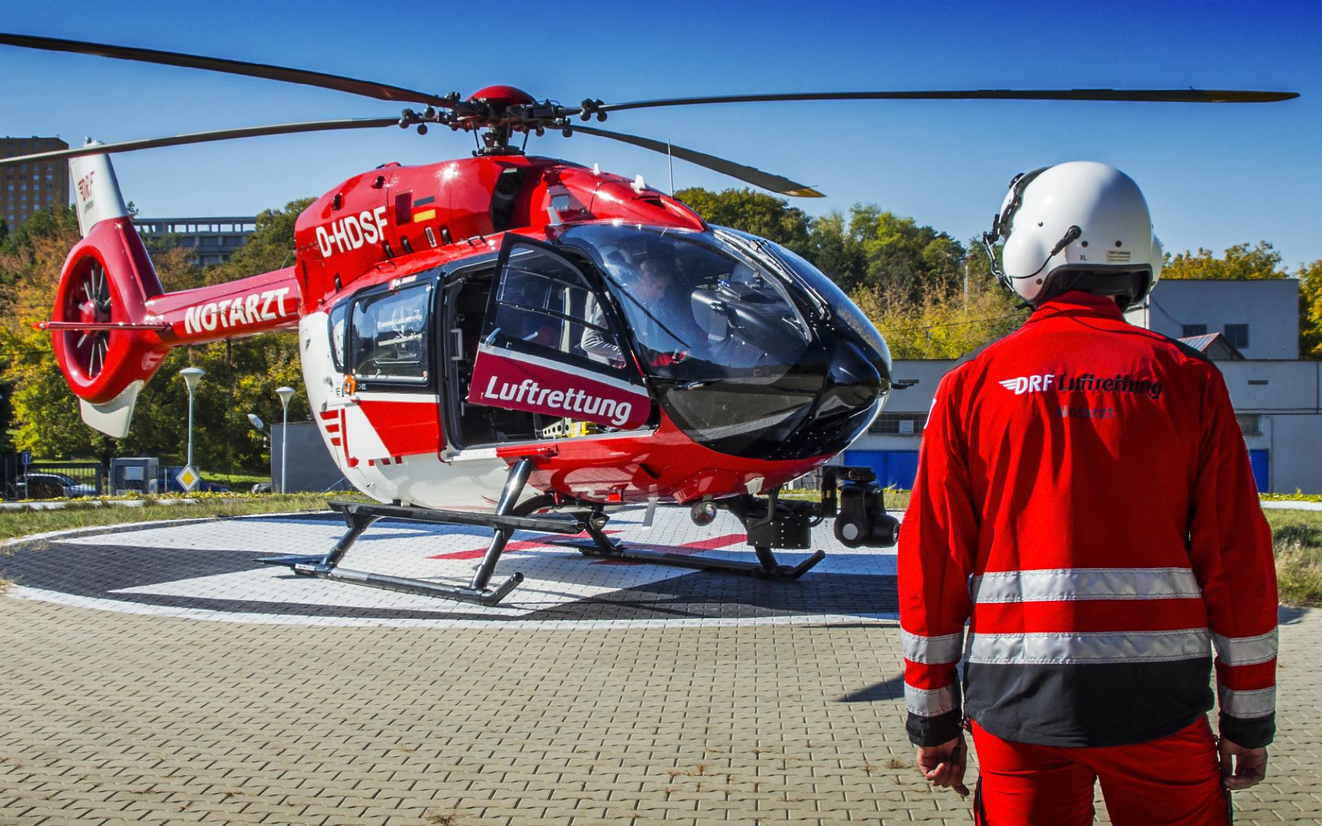 Keine andere Station der DRF Luftrettung leistet so viele ECMO-Einsätze wie die Regensburger – bereits 27 Mal wurde das hochkomplexe Verfahren im ersten Halbjahr 2019 angewandt. Foto: Klimsa Photography