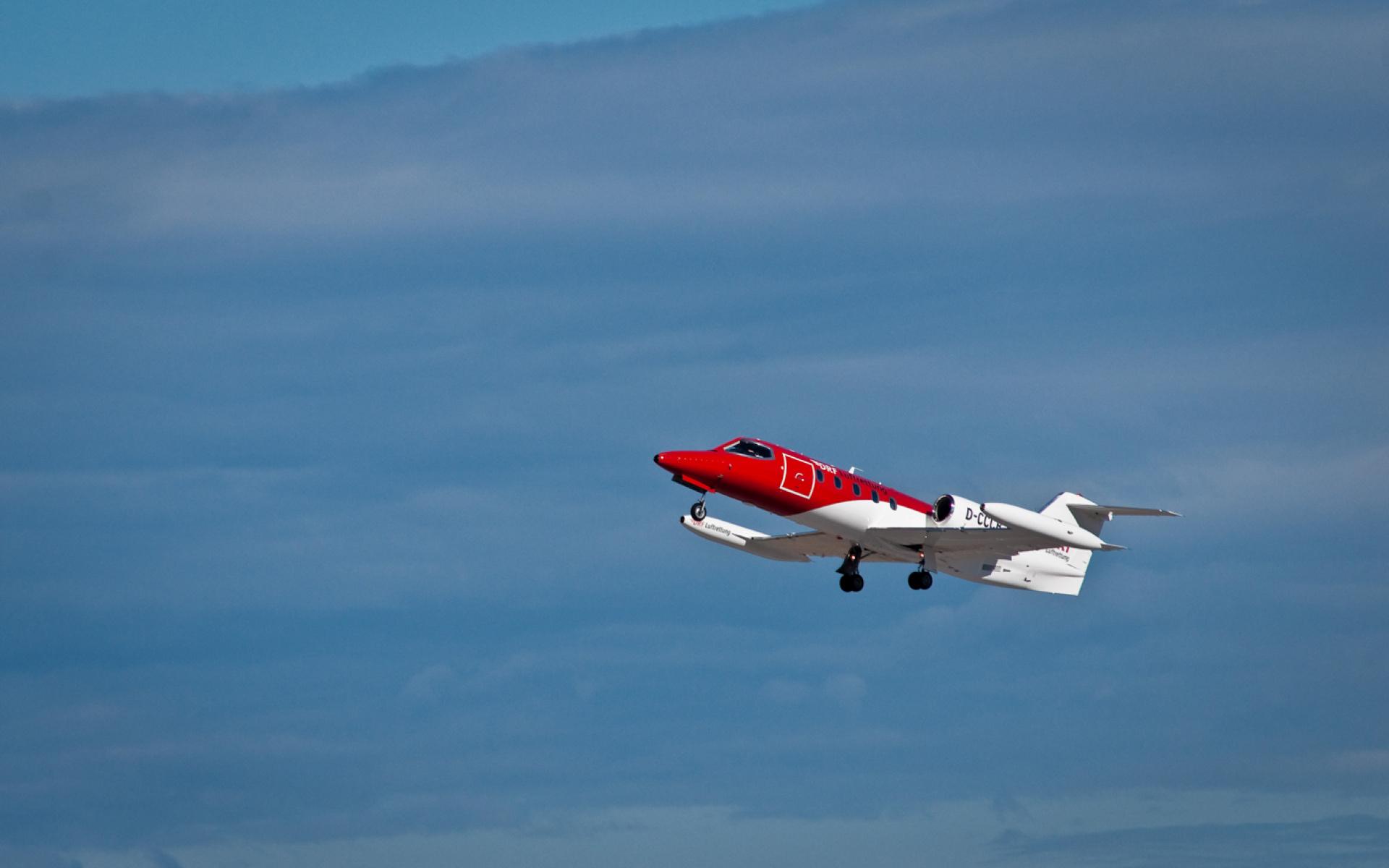 Als Fördermitglied der DRF Luftrettung holen wir Sie kostenlos aus dem Ausland zurück, sofern medizinisch sinnvoll und ärztlich angeordnet.