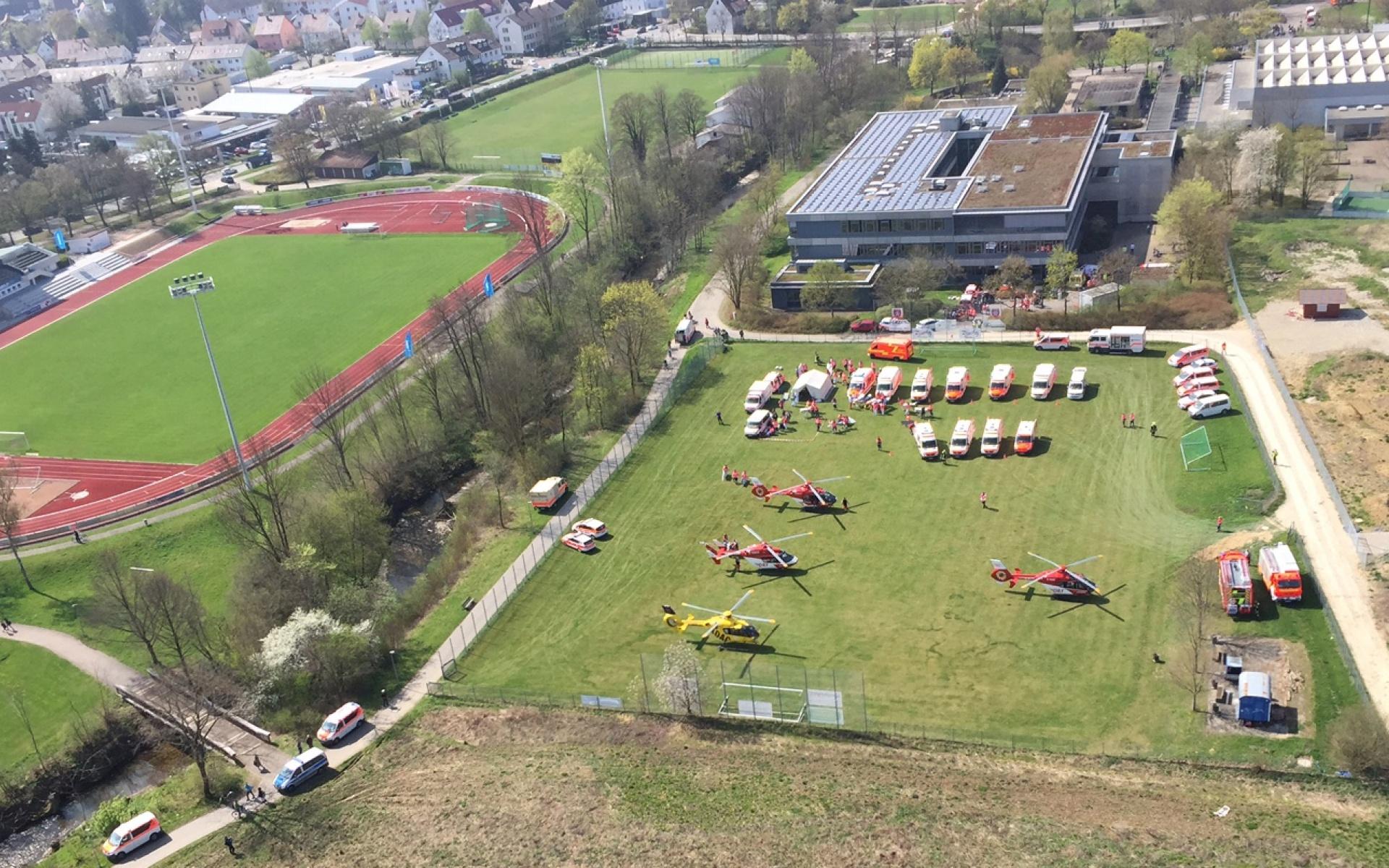 Gleich vier Hubschrauber der DRF Luftrettung waren in Kirchheim/Teck im Einsatz.