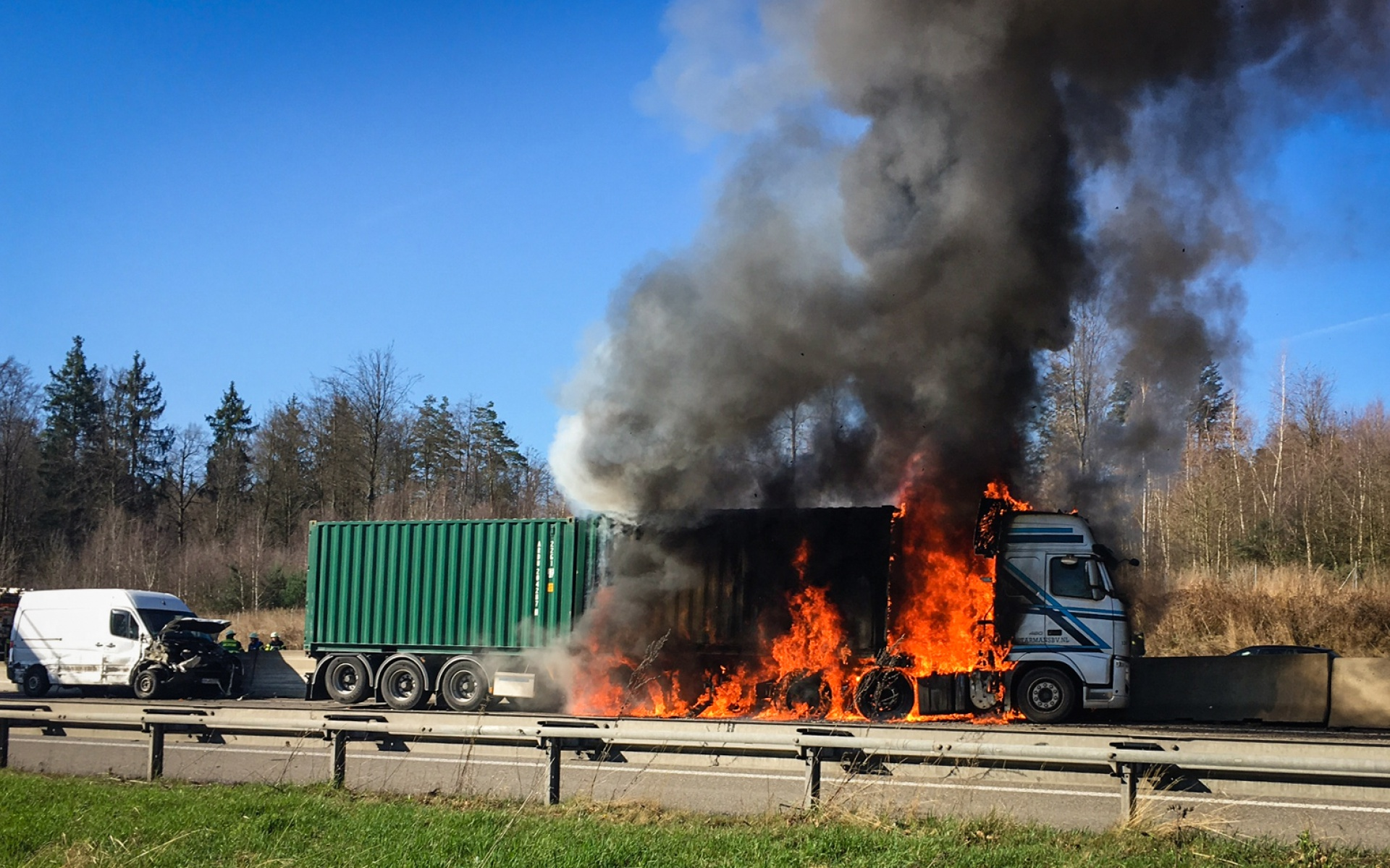 Dramatische Szenen auf der A8, doch glücklicherweise wurde niemand schwer verletzt.