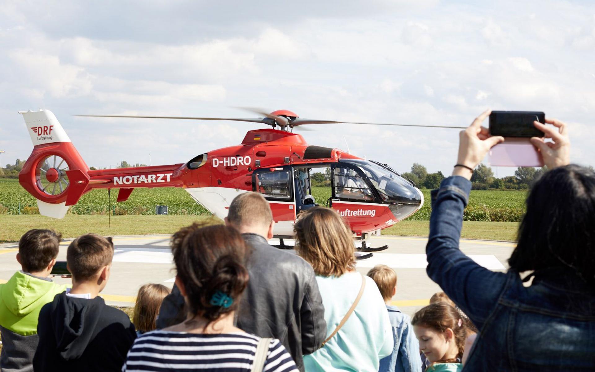 Zu insgesamt sechs Einsätzen startete die Besatzung vor den Augen der Besucher. Foto: Mario Tomiak.