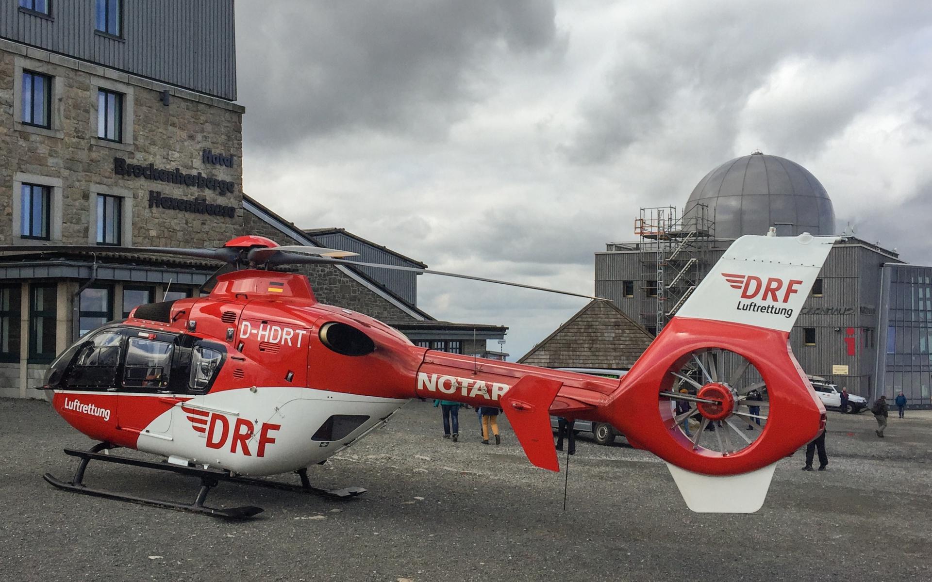 Landung auf dem Brocken: Die Crew von Christoph 37 wurde alarmiert, um eine Frau mit Herzrhythmusstörungen zu versorgen.