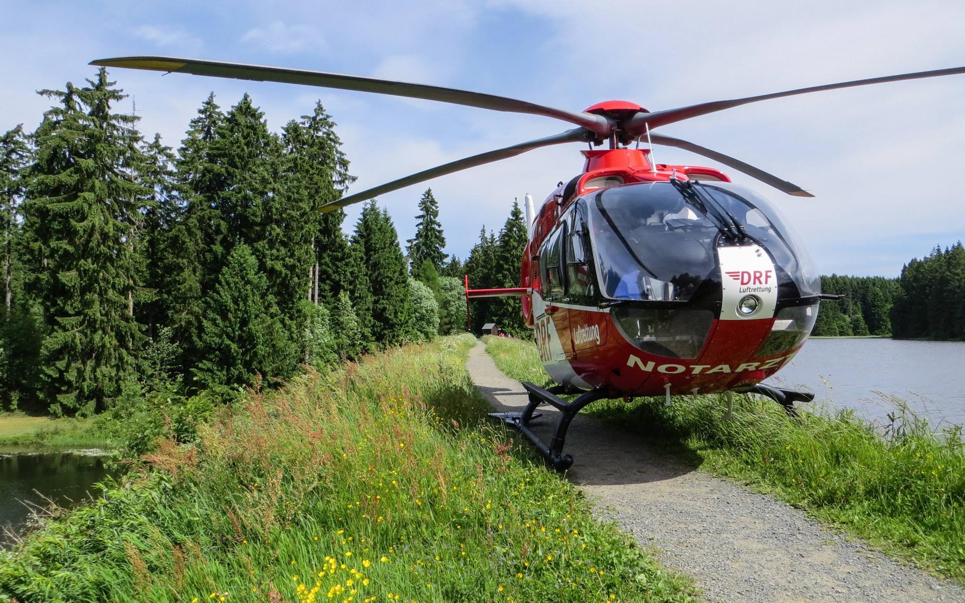 Die Nordhäuser Luftretter waren schnell zur Stelle, um den Patienten in ein Herzkatheterlabor zu fliegen.