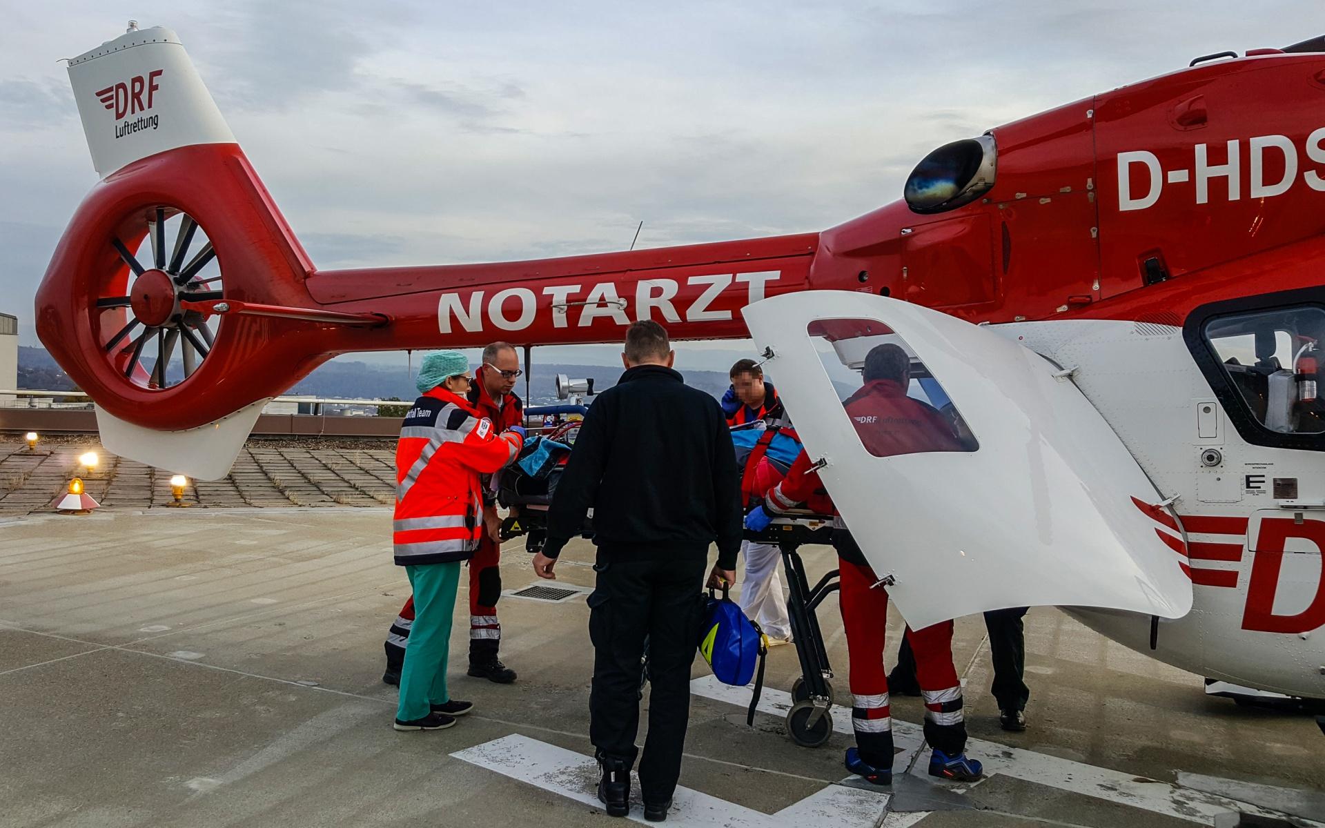 Die Intensivhubschrauber der DRF Luftrettung sind für solche Transporte optimal ausgestattet.