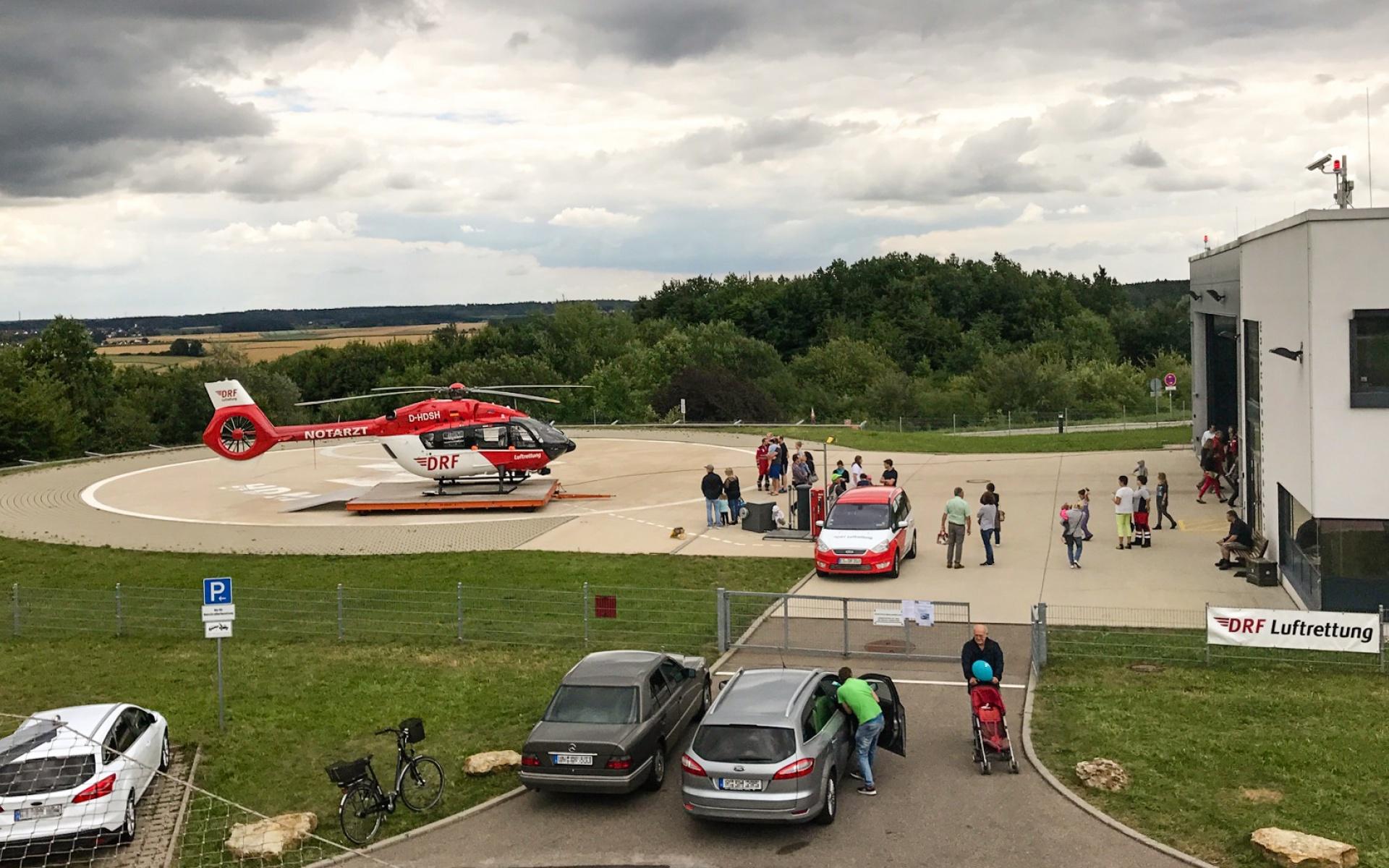 Zum Tag der offenen Tür der Universitätsklinik Regensburg öffnete auch die Regensburger Station der DRF Luftrettung ihre Tore.