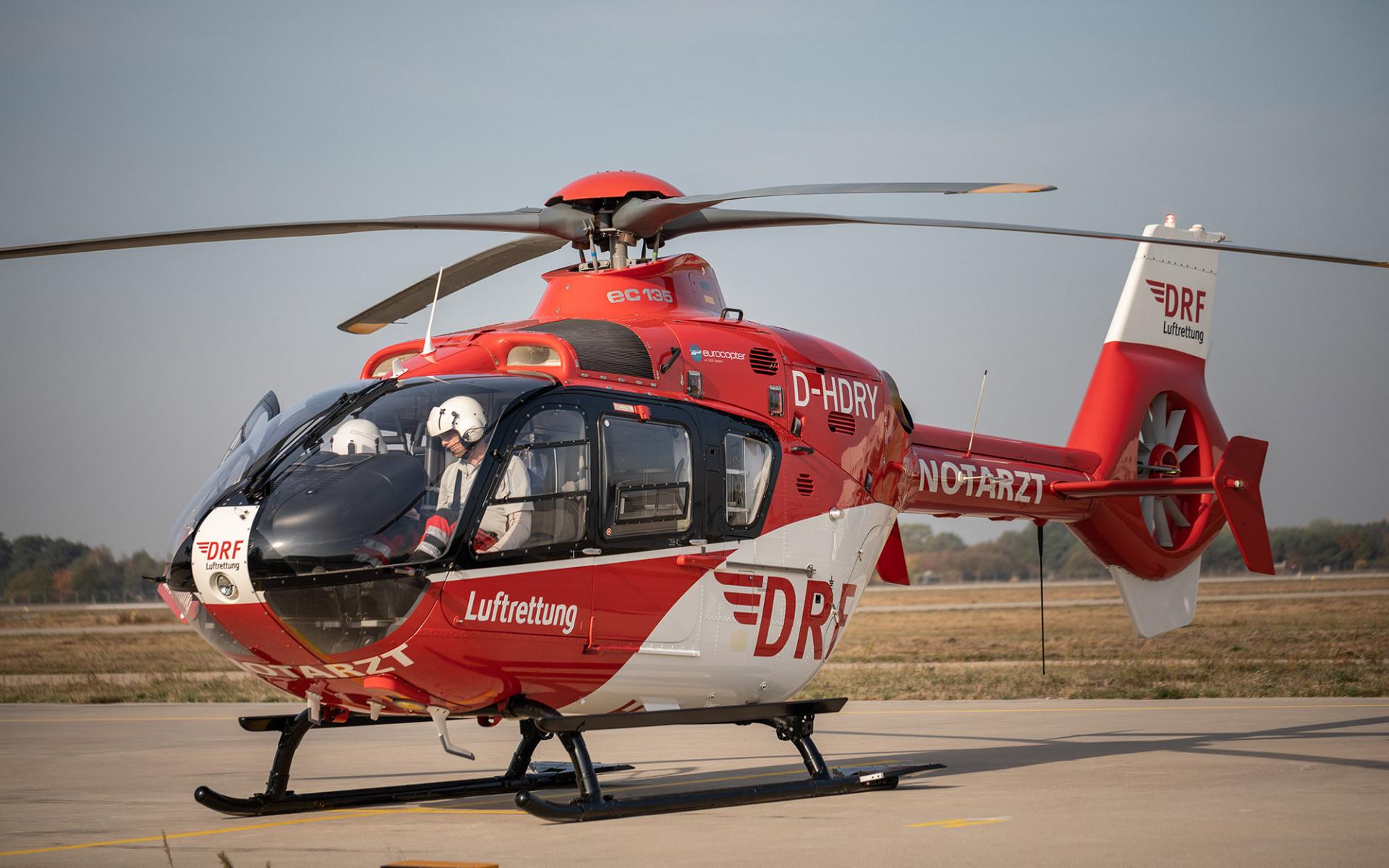 Unter dem Dach der Akademie der DRF Luftrettung führen wir regelmäßig Fortbildungen in den Bereichen Medizin, Flugbetrieb und Technik durch, die auch Externen angeboten werden.