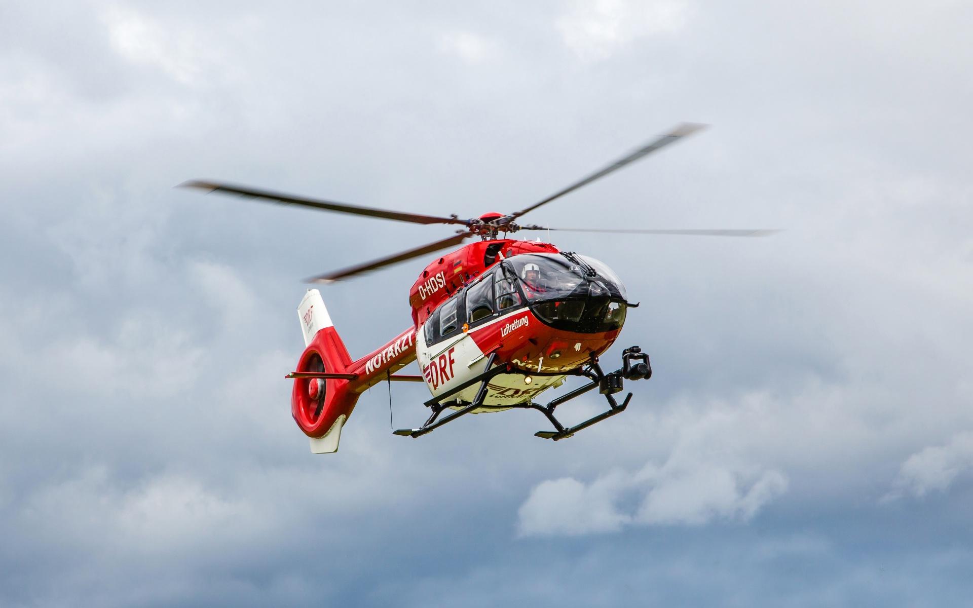 Ein Hubschrauber der DRF Luftretung (Symbolbild)