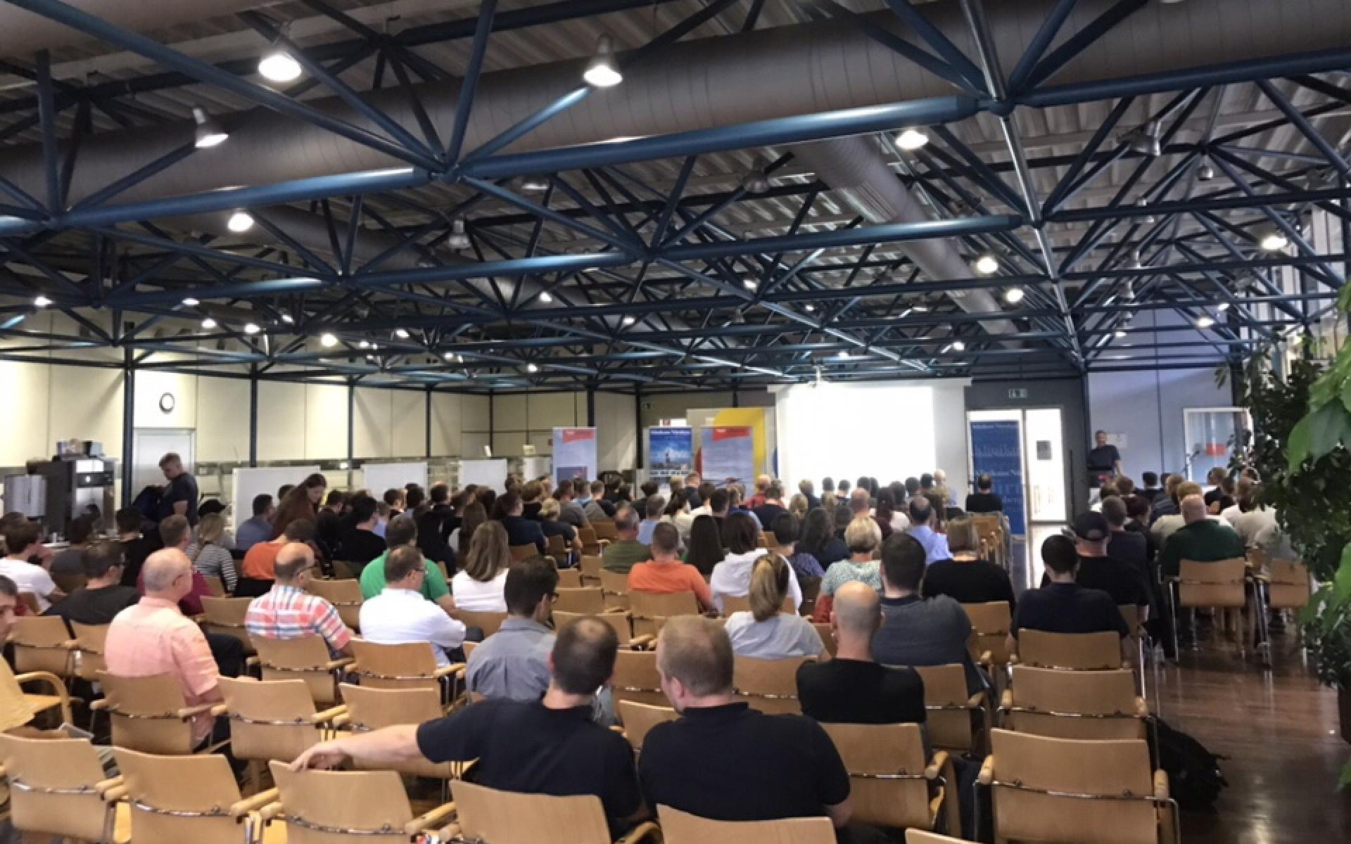 Beim abendlichen Mini-Symposium informierten sich knapp 170 Fachkräfte über wichtige, aktuelle Teilbereiche der Reanimation.