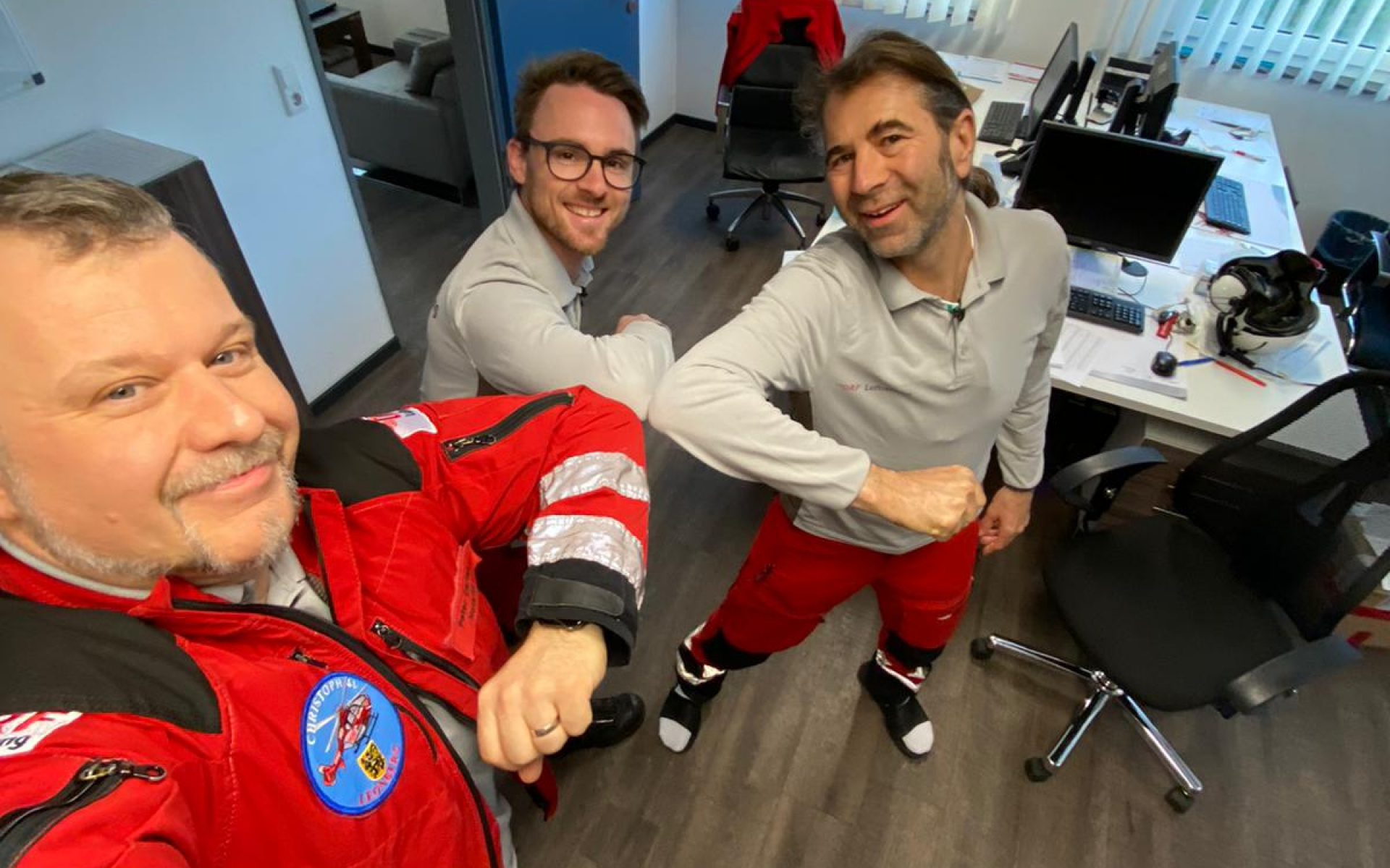 Das Team in Leonberg: Notarzt Peter (links), Pilot Rouven (Mitte) und Notfallsanitäter Arndt.