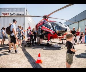 Embedded thumbnail for Tag der offenen Tür der DRF Luftrettung 2019