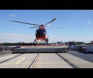 Embedded thumbnail for Erste Landung der neuen H 145 an der Station Berlin