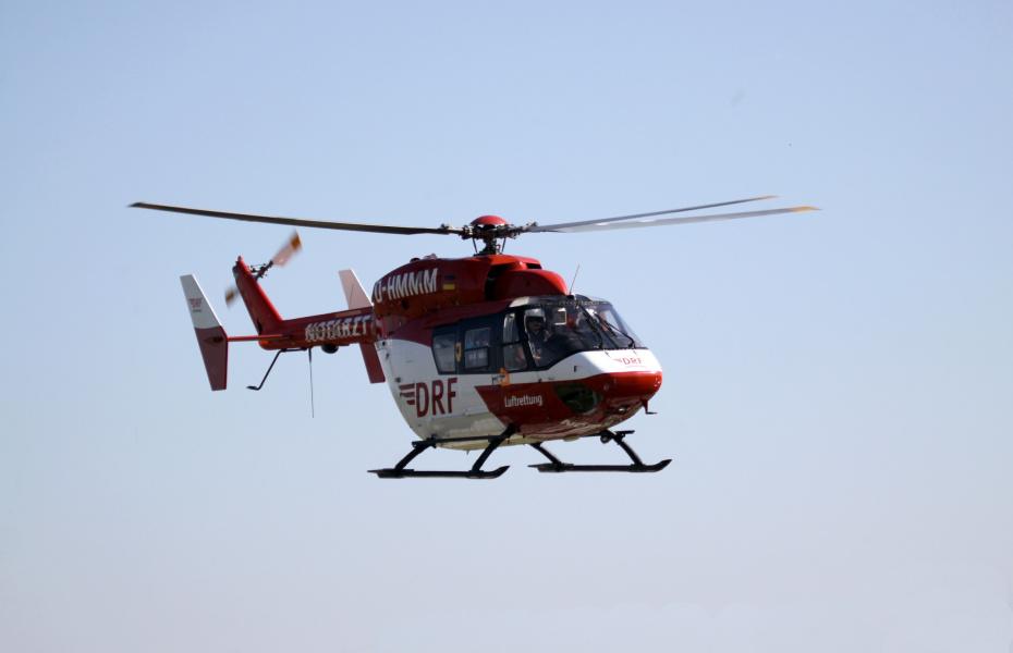 Schnell zur Stelle nach einem schweren Arbeitsunfall: Christoph Dortmund der DRF Luftrettung. Symbolbild.