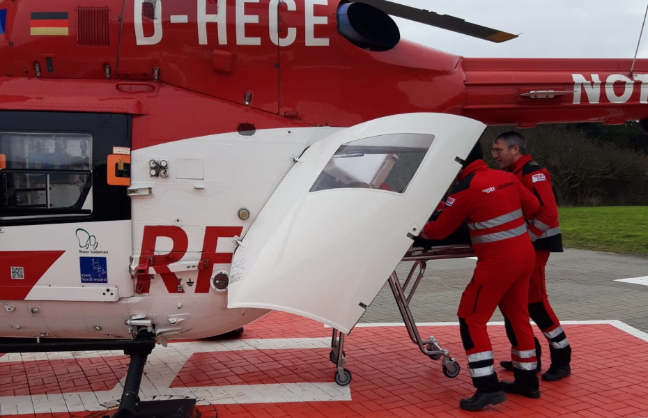Die Niebüller Crew der DRF Luftrettung fliegt häufig Einsätze zwischen den nordfriesischen Inseln und dem schleswig-holsteinischen Festland.