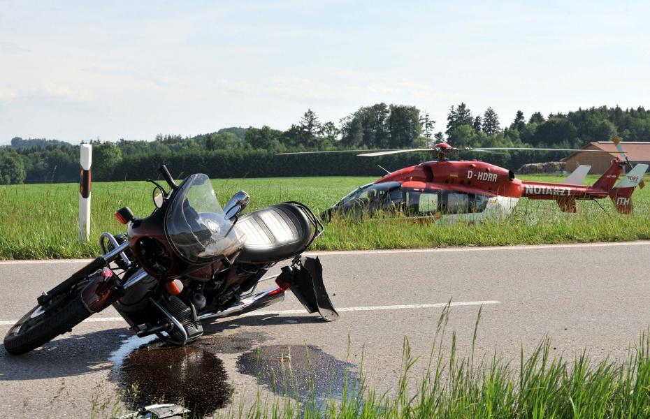 DRF Luftrettung wieder vermehrt bei Motorradunfällen im Einsatz