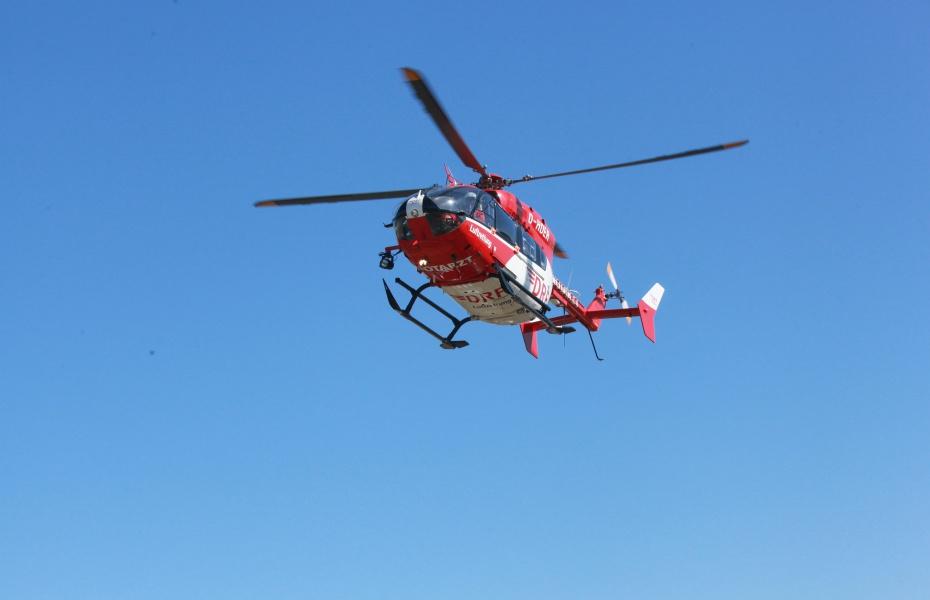 Schnelle Hilfe für einen schwer verletzten LKW-Fahrer brachte die Crew von Christoph 51 Ende März. Symbolbild.