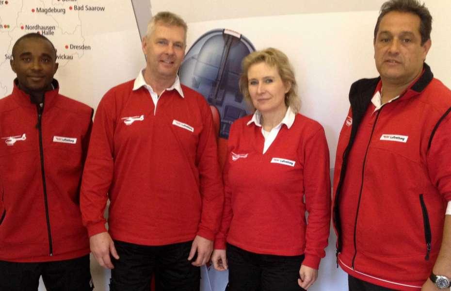 Von links nach rechts: Darius Mazimpaka, Ulrich Graudenz, Monika Renz und Peter Späth sind seit kurzem im Großraum Freiburg als feste Mitarbeiter des DRF e.V. unterwegs.