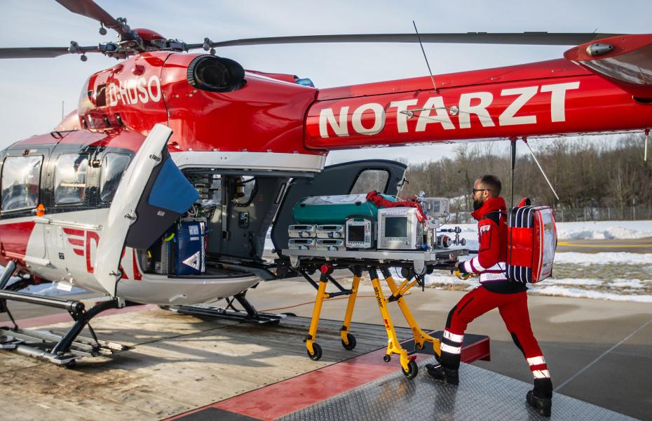 Die DRF Stiftung Luftrettung fördert Projekte, die sich mit der Erforschung und Entwicklung innovativer Methoden, neuer Konzepte und Systeme im Bereich der präklinischen Notfall- und Rettungsmedizin, insbesondere in der Luftrettung, befassen. Bild: ASB / Hannibal