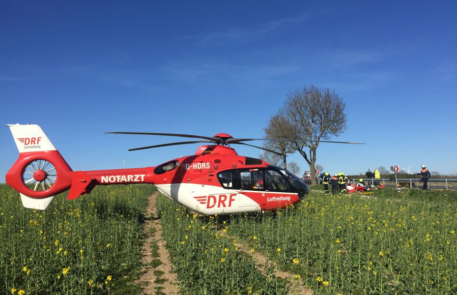 Der Start der Motorradsaison machte sich auch bei den Besatzungen der DRF Luftrettung bemerkbar. Alleine die Luftretter aus Nordhausen wurden am Osterwochenende fünfmal zu verletzten Motorradfahrern alarmiert.