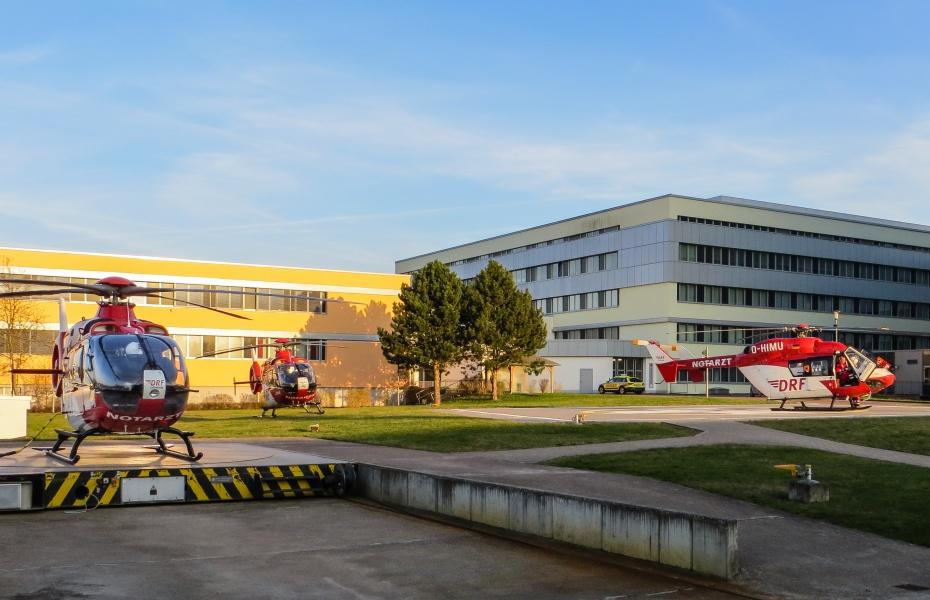 Drei Hubschrauber zur selben Zeit, das gibt es nicht oft am Südharz-Klinikum in Nordhausen.