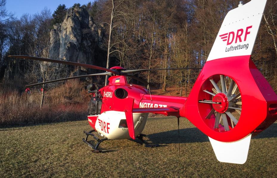 Die Nürnberger Luftretter erreichen mit Christoph 27 innerhalb von wenigen Minuten den Unfallort.