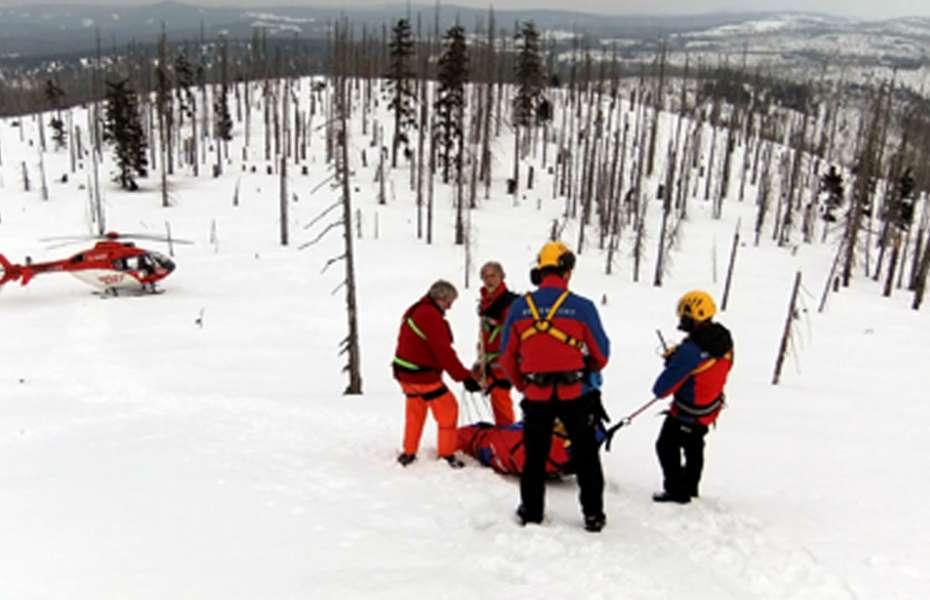 Bergwacht und Christoph 27 der DRF Luftrettung arbeiten Hand in Hand