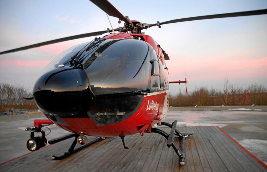 Per Hubschrauber konnte der Notarzt am schnellsten zum Unfallort gebracht werden. (Symbolbild)