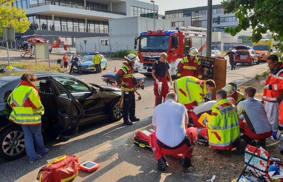 Einsatz der Stuttgarter Luftretter: Ein Fußgänger wurde von einem Pkw erfasst.