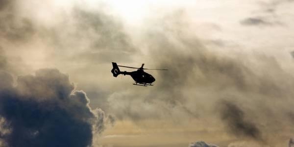 Der Rettungshubschrauber Christoph 64 auf dem Weg zum Einsatzort. Foto: Symbolbild