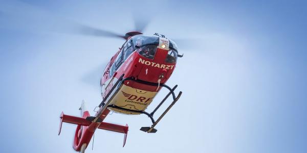 Christoph 64 wird zu einer Patientin mit Schlaganfallverdacht alarmiert (Foto: Symbolbild)