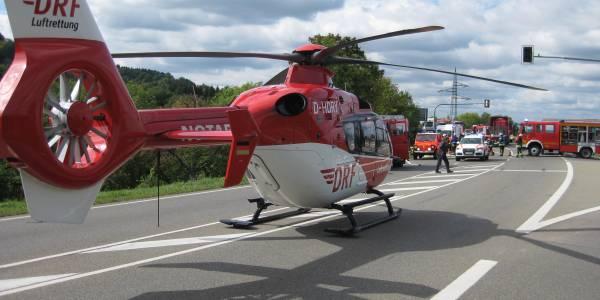 25000er Einsatz Station Villingen Schwenningen der DRF Luftrettung.Rettungshubschrauber Christoph 11 bei Verkehrsunfall im Einsatz.