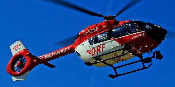 In Halle starten ab 2018 mit der H 135 und H 145 (im Bild) zwei Hubschraubermodelle der neuesten Generation zu lebensrettenden Einsätzen. Christoph Sachsen-Anhalt (H 145) steht sogar rund um die Uhr für den schnellen und schonenden Transport schwer kranker und verletzter Menschen sowie für die Notfallrettung bereit.