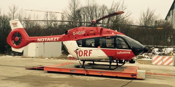 Einsatzbereit an der Münchner Station der DRF Luftrettung: der weltweit erste Hubschrauber des Typs EC 145 T2.