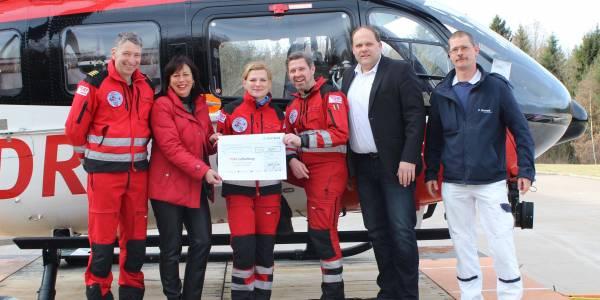 Spendenübergabe bei Christoph Thüringen der HDM Luftrettung