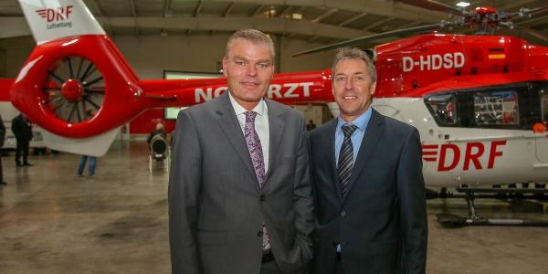Zu der Jubiläumsfeier begrüßte Steffen Lutz, Vorstand der DRF Luftrettung, auch den Innenminister des Landes Sachsen-Anhalt, Holger Stahlknecht.